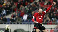 Jiŕí Štajner z Hannoveru během zápasu proti Stuttgartu