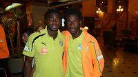 Útočník Sparty Bony Wilfried (vpravo) a hráč Manchesteru City Kolo Touré na srazu týmu Pobřeží slonoviny.