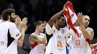 Basketbalisté Nymburka se radují z vítězství nad Ventspils