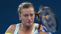 Petra Kvitová porazila Anastasii Pavljučenkovou apostoupila v Brisbane do finále.