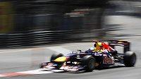 Sebastian Vettel narazil do zdi