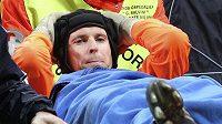 Petr Čech opustil bitvu na Interu na nosítkách. Teď se po zranění vrací.