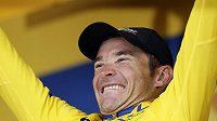 Thomas Voeckler si na Tour drží žlutý trikot.