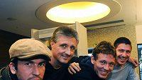 Český daviscupový tým před odletem do Belgie. Zleva: Radek Štěpánek, Jaroslav Navrátil, Tomáš Berdych a Jan Hájek.