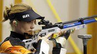 Kateřina Emmons ve finále střelby ze vzduchové pušky na 40 metrů v Plzni