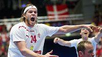 Dánský házenkář Mikkel Hansen v zápase MS s Polskem