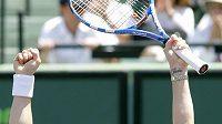 Belgická tenistka Kim Clijstersová se raduje z vítězství nad Venus Williamsovou ve finále turnaje v Miami.