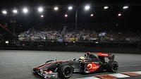 Britský pilot stáje McLaren Lewis Hamilton během GP Singapuru