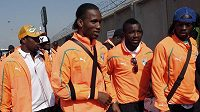 Didier Drogba (druhý zleva) se svými spoluhráči z Pobřeží slonoviny