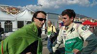 Vášnivý fanoušek rallye Robert Kubica (vlevo) při rozhovoru s Janem Kopeckým. Osudná havárie při soutěži v Itálii výrazně ovlivnila kariéru polského jezdce v F1.
