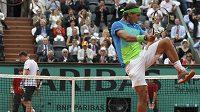 Spontánní reakce Rafela Nadala v průběhu finále French Open proti Robinu Söderlingovi.