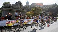 Triatlonisté závodili na mistrovství světa v těsné blízkosti budapešťských památek.