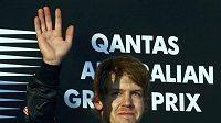 Sebastian Vettel se raduje z vítězství ve Velké ceně Austrálie.