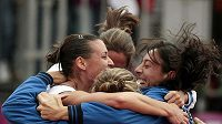 Italské tenistky oslavují vítězství ve Fed Cupu