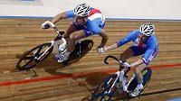 Čeští cyklisté Martin Bláha a Jiří Hochmann získali na mistrovství světa dráhařů v nizozemském Apeldoornu stříbrné medaile v bodovacím závodu dvojic.