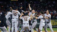 Baseballisté San Francisco Giants po výhře nad Texas Rangers
