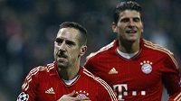 Franck Ribéry z Bayernu Mnichov (vlevo) se raduje z branky.