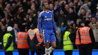 I obránce Chelsea Ashley Cole musel na Old Trafford překousnout hořký konec sezóny.