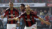 Mathieu Flamini z AC Milán se raduje z branky.
