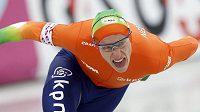 Souboj o evropského šampióna v rychlobruslařském víceboji vede v polovině nizozemský závodník Jan Blokhuijsen (na snímku). Milan Sáblík je průběžně 21.