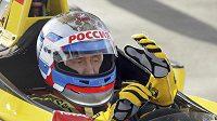 Ruský prezident Vladimir Putin v monopostu formule 1