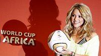 Kolumbijská zpěvačka Shakira bude hlavní hvězdou závěrečného ceremoniálu.