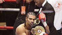 Boxer David Haye obhájil titul profesionálního mistra světa v těžké váze.