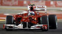 Fernando Alonso se vztekal na Petrova.