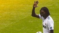 Útočník Emmanuel Adebayor v dresu Realu Madrid