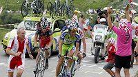 Roman Kreuziger (vpravo) a Lance Armstrong během Tour de France