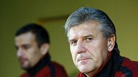 Trenér Sparty Jozef Chovanec věří, že jeho tým je schopen uspět, i když Liverpool je favoritem.