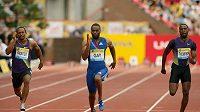 Americký sprinter Tyson Gay v cíli závodu na 100 metrů v závodě Diamantové ligy v Gatesheadu.