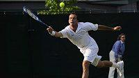 Český tenista Radek Štěpánek během 2. kola Wimbledonu proti Potito Staracemu z Itálie.