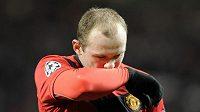 Zklamaný útočník Manchesteru United Wayne Rooney