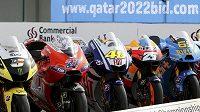 Stroje motocyklových hvězd jsou připravené vyjet do nového ročníku mistrovství světa.