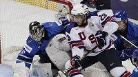 Zápas mezi hokejisty Finska a Spojených států na mistrovství světa do 20 let.