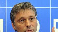 Trenér Pardubic Josef Jandač čeká na svého nového asistenta