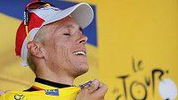 Belgičan Philippe Gilbert se raduje ze žlutého trikotu, který po první etapě Tour de France oblékne.