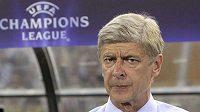 Trenér Arsenalu Arséne Wenger se zatím o místo bát nemusí.