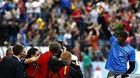 Usain Bolt zdraví diváky na Zlaté tretře v Ostravě
