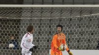 Petr Čech si připsal asistenci na gólu, ale jeho tým se výsledkově trápí.