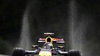 Sebastian Vettel na mokré trati v belgickém Spa-Francorchamps