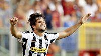 Diego se raduje z jedné z mála branek, které v Juventusu dal.