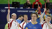 Kanadští curleři se radují z postupu do finále olympijského turnaje.