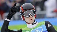 Švýcar Simon Ammann triumfoval v olympijském závodě na středním můstku.
