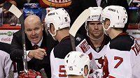 Hokejisté New Jersey Devils, vlevo trenér John MacLean