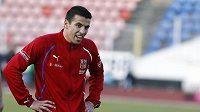 Milan Baroš se usmívá při tréninku české reprezentace.