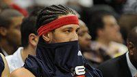 Nešťastný Josh Boone z New Jersey po prohraném zápase s Atlantou.