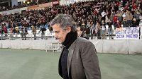 Zklamaný kouč Realu Madrid José Mourinho po remíze s posledním celkem tabulky.