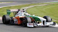 Italský pilot formule 1 Giancarlo Fisichella s vozem stáje Force India během kvalifikace na Velkou cenu Belgie.
